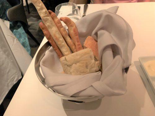 クルーズ船「セレブリティミレニアム」の食事パン