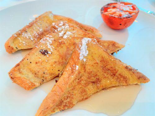 クルーズ船「セレブリティミレニアム」の食事・朝食のフレンチトースト