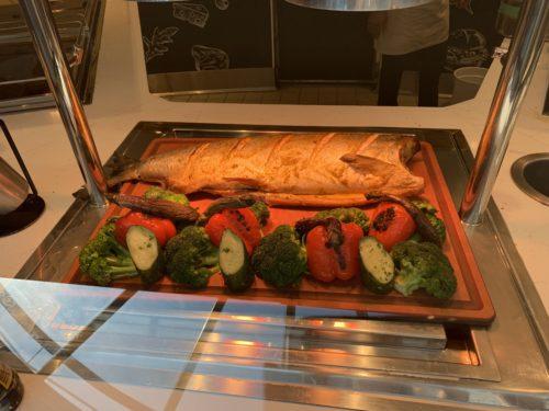 クルーズ船「セレブリティミレニアム」のブッフェ「オーシャンビューカフェ」のディナー