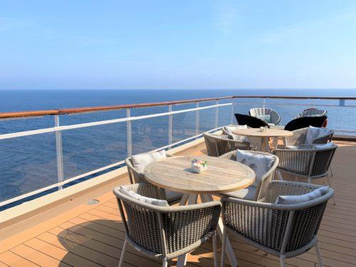 クルーズ船「セレブリティ・ミレニアム」のブッフェ「オーシャンビューカフェ」のテラス席