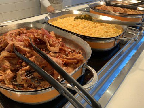 クルーズ船「セレブリティミレニアム」のブッフェ「オーシャンビューカフェ」の朝食