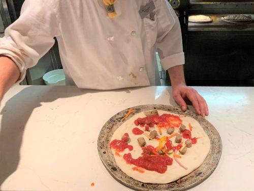 クルーズ船「セレブリティミレニアム」のブッフェ「オーシャンビューカフェ」のピザ
